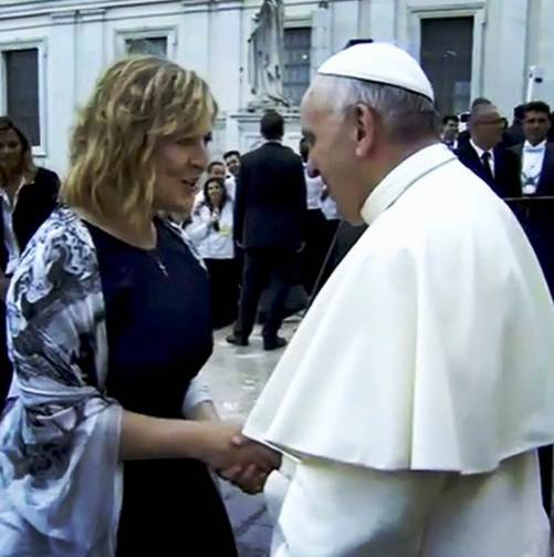 Après la présence scandaleuse de Darlene zschech au Vatican, le 3 juillet dernier, pour une grande messe oecuménique... un nouveau scandale frappe cette fois l'église Hillsong de New York.