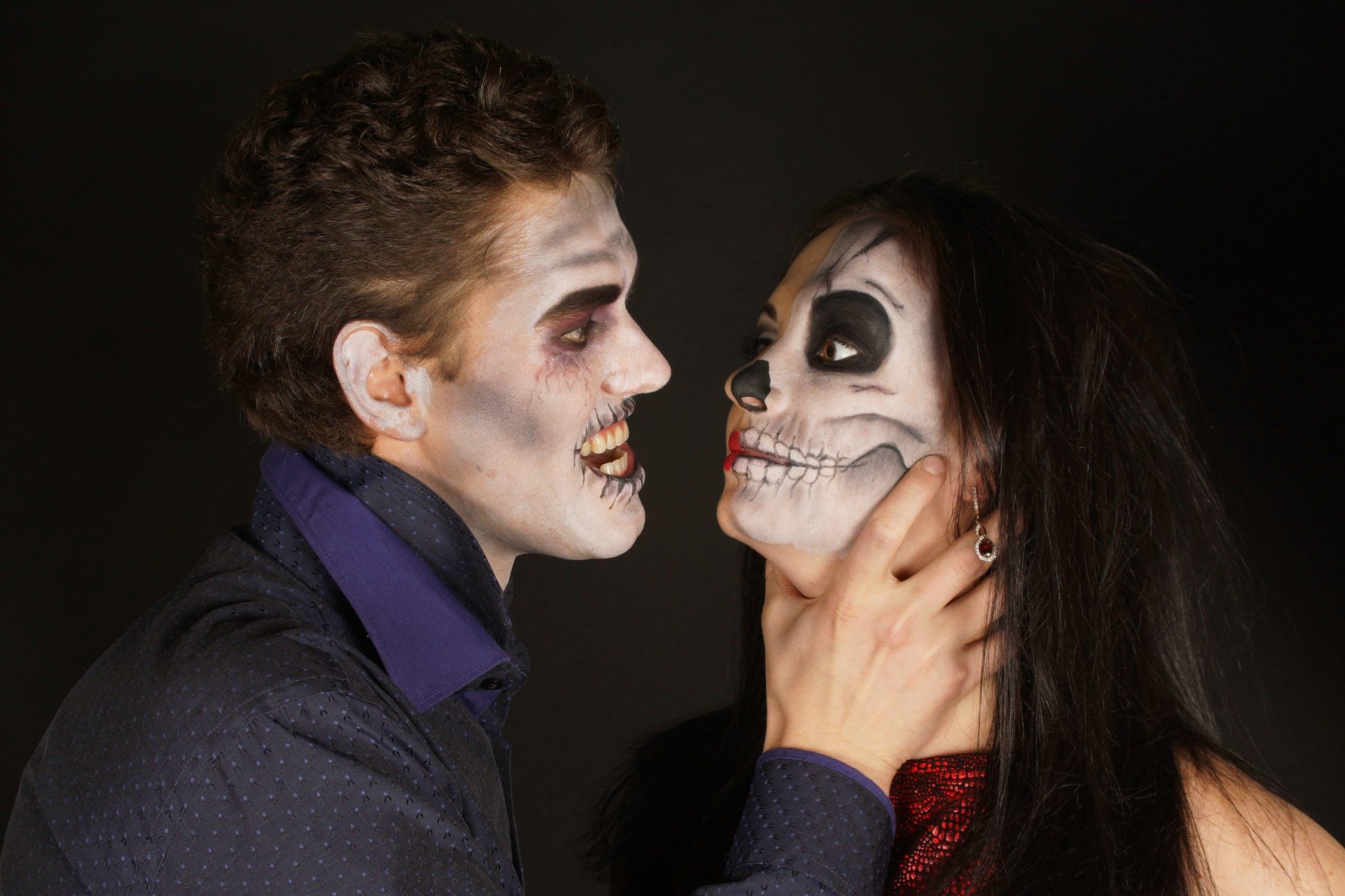 ne célébrez pas Halloween_ Vous êtes tous des enfants de la lumière et des enfants du jour. Nous ne sommes point de la nuit ni des ténèbres.
